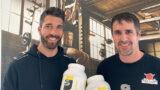 Profi zeigt Amateuren den Weg: Kevin Ziswiler und Lions-Captain Simon Schnyder freuen sich auf die gemeinsame Zukunft